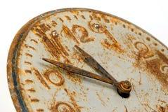 gammalt rostigt för klockaframsida Royaltyfri Bild