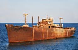 gammalt rostigt skeppsbrott Arkivbilder
