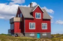 Gammalt rött hus Royaltyfri Foto