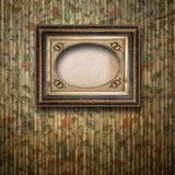 Gammalt rum, grungeinre med ramen royaltyfria foton