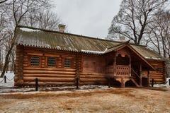 Gammalt ryskt trähus, Kolomenskoe, Moskva Royaltyfri Bild