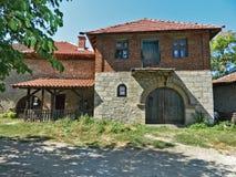 Gammalt serbiskt stenhus Royaltyfri Foto