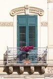 Gammalt siclian fönster Arkivbild