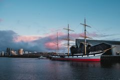 Gammalt skepp på floden Clyde Royaltyfria Bilder