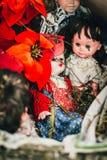 Gammalt skräp behandla som ett barn - dockan Arkivfoton