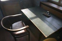 gammalt skrivbord mycket Fotografering för Bildbyråer