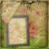Gammalt skrynkligt sidatappningalbum med vykortet Arkivfoto