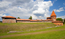 Gammalt slott i Kaunas, Litauen Arkivfoton