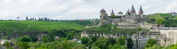 gammalt slott panorama royaltyfria bilder