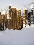 gammalt snöig för dörr fotografering för bildbyråer