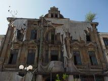 Gammalt spöklikt hotell i mellersta dag Arkivbilder