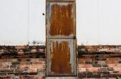 gammalt stål för dörr Arkivbilder