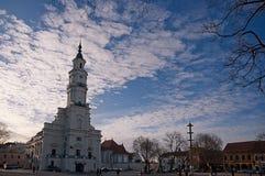 Gammalt stadshus av Kaunas Fotografering för Bildbyråer