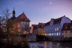 Gammalt stadshus i Bamberg på solnedgången Royaltyfria Foton