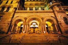 Gammalt stadshus på natten, i i stadens centrum Toronto, Ontario Arkivbild