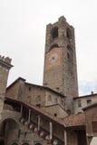 Gammalt stadstorn Torre Civica i Bergamo, Citta Alta Arkivfoton