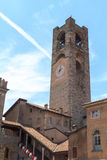 Gammalt stadstorn Torre Civica i Bergamo, Citta Alta Arkivbilder