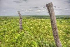 Gammalt staket i Flint Hills, Kansas Royaltyfri Fotografi