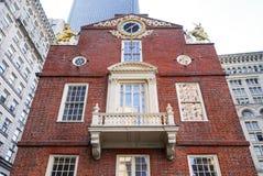 Gammalt statligt hus Boston för marmorbalkong royaltyfri bild