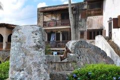 Gammalt stenhus i den spanska stilen Arkivfoto