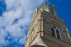 Gammalt stenigt kyrkliga Klocka torn Arkivbild