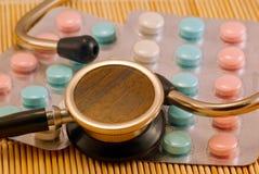 gammalt stetoskop Arkivfoto