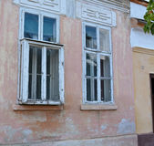 Gammalt stickande fram fönster Royaltyfri Bild