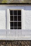 Gammalt, stilfullt klassiskt fönster arkivbild