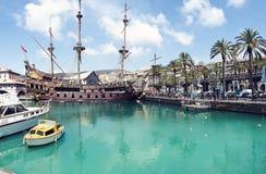Gammalt stort skepp i port av Genua Fotografering för Bildbyråer