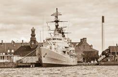 Gammalt stridskepp i Köpenhamnen, Danmark Arkivfoto