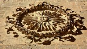Gammalt symbol i en domkyrka Royaltyfri Foto