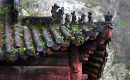Gammalt tak av den kinesiska templet, Wudang berg, Kina Arkivbilder