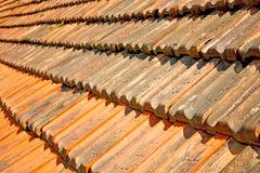gammalt tak i Italien linje- och texturarkitekturen Arkivbild