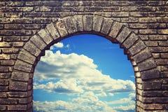 Gammalt tegelstenfönster Royaltyfria Foton