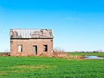 gammalt tegelstenhus Arkivfoto