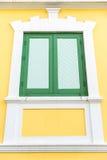 Gammalt thailändskt fönster Arkivfoton