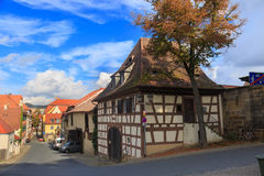 Gammalt timrat hus på den Bamberg gatan Royaltyfri Foto