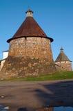 gammalt torn för kloster Arkivfoto