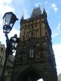 Gammalt torn i den Prague Tjeckien Arkivbild