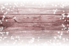 gammalt trä för bakgrund Snö på brädena vita röda stjärnor för abstrakt för bakgrundsjul mörk för garnering modell för design Royaltyfri Fotografi