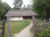 gammalt trä för hus royaltyfria foton