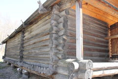gammalt trä för hus Ryssland Arkivfoton