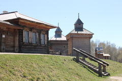 gammalt trä för hus Ryssland Royaltyfri Foto
