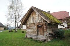 gammalt trä för ladugård Arkivfoton