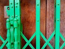 Gammalt trä och gammal ståltextur Arkivbilder