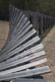 Gammalt, trä- skrangligt staket Arkivbild