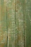 Gammalt träbräde av grön färg arkivbilder