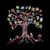 Gammalt träd med ugglor för din design stock illustrationer