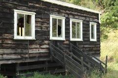 Gammalt träfårskjul Fotografering för Bildbyråer