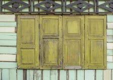 Gammalt träfönster Royaltyfria Foton